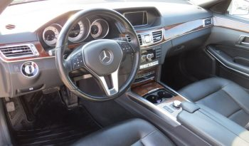 Mercedes-Benz E 250 4 MATIC 2013 full