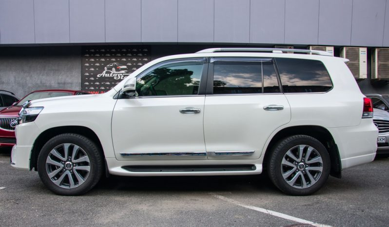 Toyota Land Cruiser 200 Special Edition 2017 full